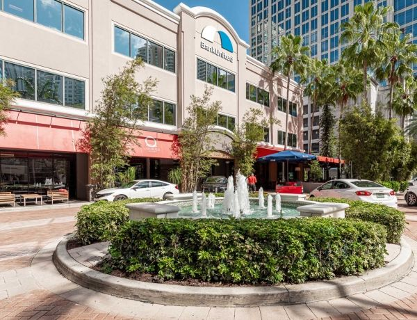 Plaza at Las Olas